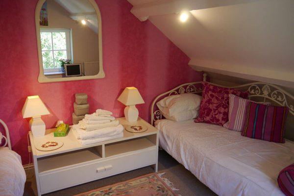 Garden-Rooms_Orchard-Suite_Twin-Bedroom1