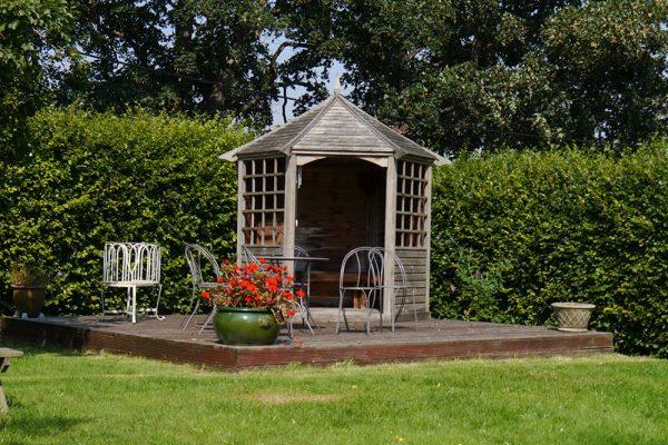 Garden-Rooms_Orchard-Garden_Sunny-Decking